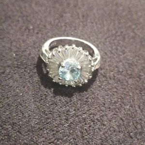 Ring with flower design silver